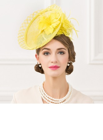 Dames Beau Lin avec Feather Chapeaux de type fascinator