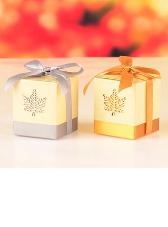 Découpe feuille d'automne Cubique Boîtes cadeaux avec Rubans