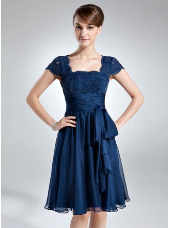 A-Line/Princess Square Neckline Knee-Length Chiffon Lace Mother of the Bride Dress With Ruffle Bow(s)