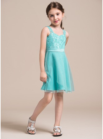 A-Line/Princess Sweetheart Knee-Length Tulle Lace Junior Bridesmaid Dress