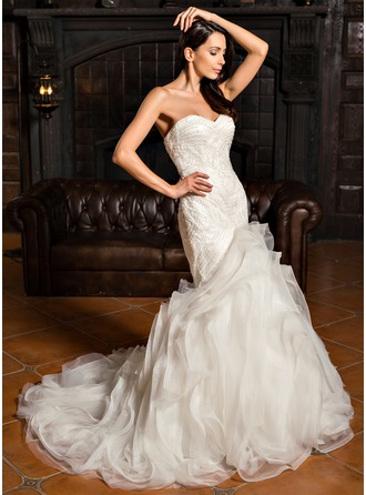 Trumpet/Mermaid Sweetheart Sweep Train Organza Wedding Dress With Beading
