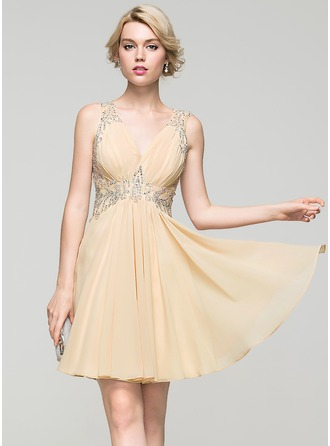A-Line/Princess V-neck Short/Mini Chiffon Homecoming Dress With Ruffle Lace Beading Sequins