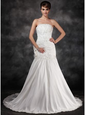 Trumpet/Mermaid Strapless Chapel Train Taffeta Wedding Dress With Ruffle Beading Appliques Lace Flower(s)