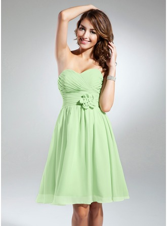 A-Line/Princess Sweetheart Knee-Length Chiffon Bridesmaid Dress With Ruffle Flower(s)