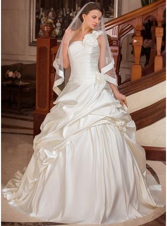 Corte de baile Un sólo hombro Cola corte Satén Vestido de novia con Volantes Flores