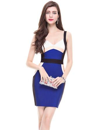 Sheath/Column V-neck Short/Mini Cocktail Dress