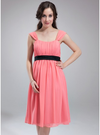 Empire Scoop Neck Knee-Length Chiffon Charmeuse Maternity Bridesmaid Dress With Ruffle Sash