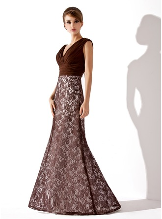 Trumpet/Mermaid V-neck Floor-Length Lace Mother of the Bride Dress With Ruffle