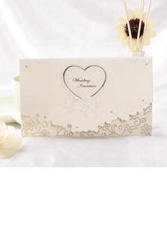 Style cœur Pli en 3 Invitation Cards
