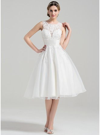 A-Line/Princess Scoop Neck Knee-Length Organza Wedding Dress With Ruffle Beading Appliques Lace Sequins