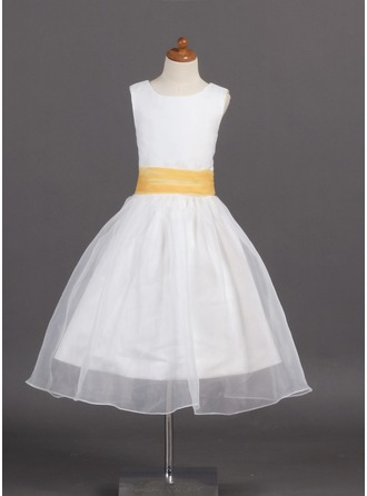 A-Line/Princess Scoop Neck Tea-Length Organza Flower Girl Dress With Sash