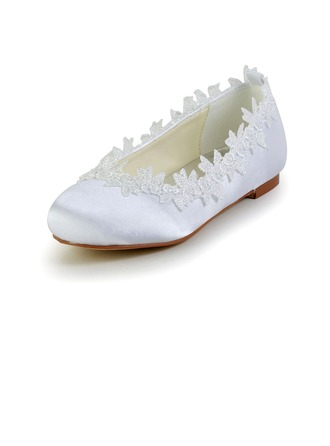 Kids' Flat Heel Closed Toe Flats With Applique