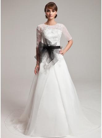 Aライン/プリンセスライン2 スクープネック チャペル・トレーン Organza ウエディングドレス とともに Lace サッシュ ビーズ細工