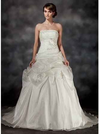 Ball-Gown Strapless Court Train Organza Wedding Dress With Ruffle Lace Beading