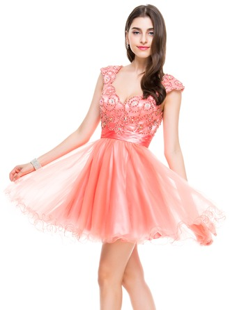 A-Line/Princess Sweetheart Short/Mini Satin Tulle Homecoming Dress With Ruffle Beading Sequins