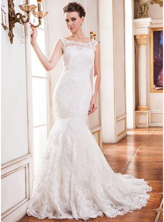 Trumpet/Sjöjungfru Rund-urringning Chapel släp Tyll Spetsar Bröllopsklänning med Pärlbrodering Paljetter