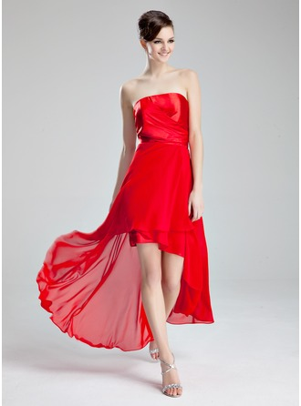 A-Line/Princess Strapless Asymmetrical Chiffon Charmeuse Homecoming Dress With Ruffle