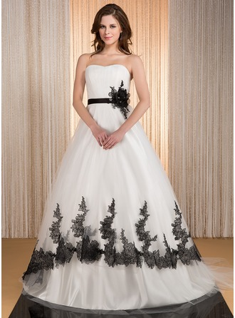 Ball-Gown Sweetheart Court Train Tulle Wedding Dress With Ruffle Sash Appliques Lace Flower(s)