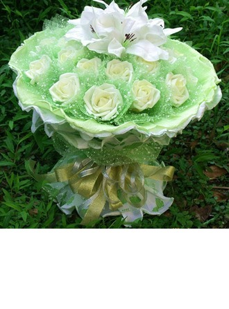 Lily Round Paper/Foam Bridal Bouquets
