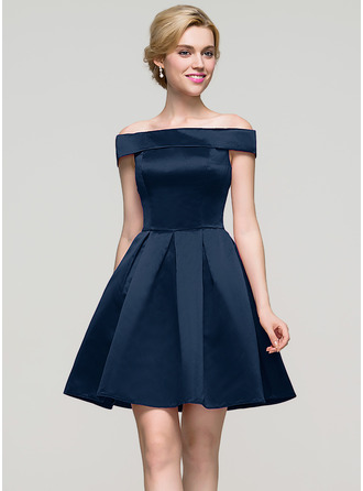 A-Line/Princess Off-the-Shoulder Short/Mini Satin Cocktail Dress