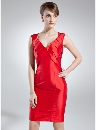 Sheath/Column V-neck Knee-Length Taffeta Mother of the Bride Dress With Ruffle