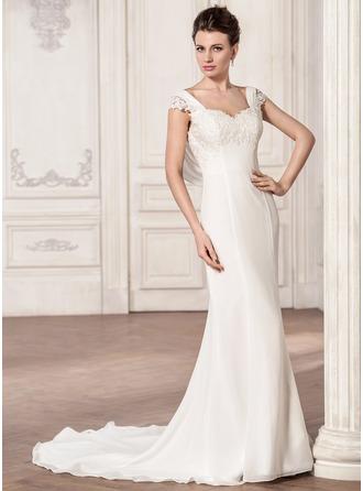 Trumpet/Mermaid Sweetheart Court Train Chiffon Wedding Dress With Ruffle Appliques Lace