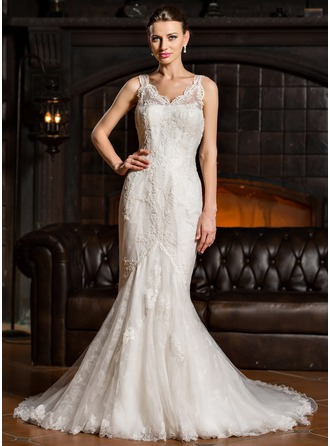 Trumpet/Mermaid V-neck Chapel Train Tulle Lace Wedding Dress