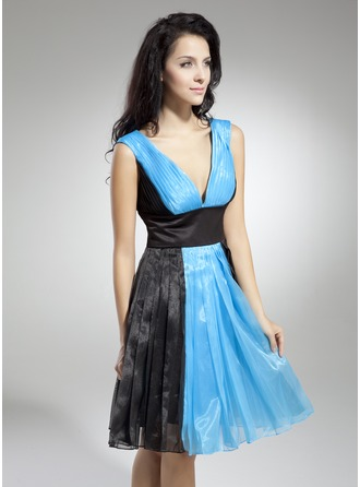 A-Line/Princess V-neck Knee-Length Organza Holiday Dress With Ruffle