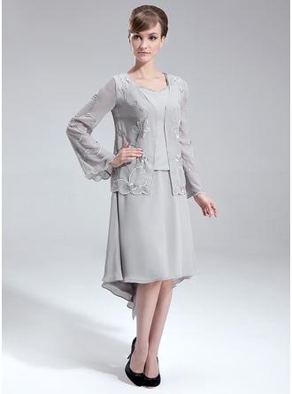 A-Line/Princess V-neck Asymmetrical Chiffon Mother of the Bride Dress With Beading