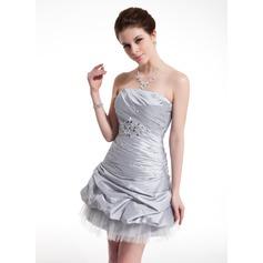 Sheath/Column Strapless Short/Mini Taffeta Homecoming Dress With Ruffle Beading