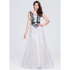 A-Line/Princess Scoop Neck Floor-Length Satin Tulle Evening Dress With Appliques Lace