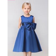 A-Line/Princess Tea-length Flower Girl Dress - Satin Sleeveless Jewel With Bow(s)