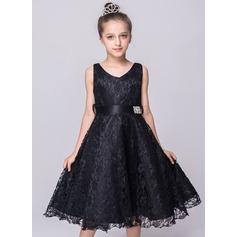 A-Line/Princess Knee-length Flower Girl Dress - Lace Sleeveless V-neck With Bow(s)/Rhinestone