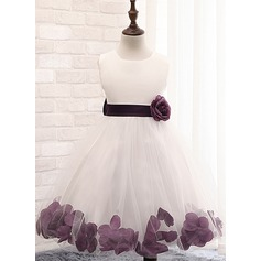 Ball Gown Knee-length Flower Girl Dress - Cotton Blends Sleeveless Scoop Neck With Flower(s)/Bow(s)/Rose Petals (010087444)
