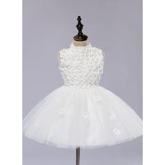 A-Line/Princess Knee-length Flower Girl Dress - Organza/Satin Sleeveless Scoop Neck With Flower(s)