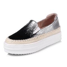 Women's Leatherette Flat Heel Platform Closed Toe shoes