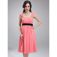 Empire Scoop Neck Knee-Length Chiffon Chiffon Maternity Bridesmaid Dress With Ruffle Sash (045004382)