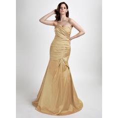 Trumpet/Mermaid Sweetheart Sweep Train Taffeta Prom Dress With Ruffle