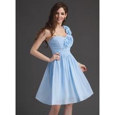 A-Line/Princess One-Shoulder Knee-Length Chiffon Homecoming Dress With Ruffle Flower(s)