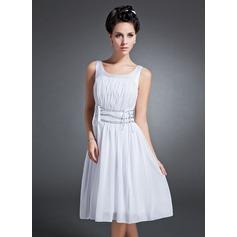 A-Line/Princess Scoop Neck Knee-Length Chiffon Homecoming Dress With Ruffle