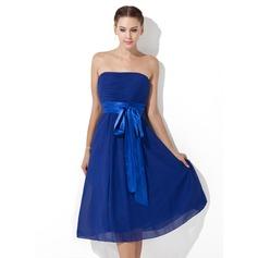 Empire Strapless Knee-Length Chiffon Bridesmaid Dress With Ruffle Sash Bow(s)