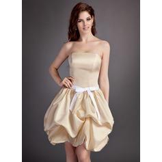 A-Line/Princess Strapless Short/Mini Satin Bridesmaid Dress With Ruffle Sash Bow(s)