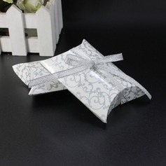 Nice Card Paper Favor Boxes With Ribbons