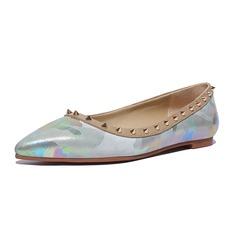 Women's Leatherette Flat Heel Flats Closed Toe With Rivet shoes