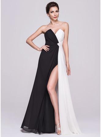 A-Line/Princess Scalloped Neck Floor-Length Chiffon Evening Dress With Ruffle Split Front