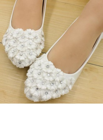 Women's Leatherette Low Heel Closed Toe Pumps With Imitation Pearl Flower Lace-up